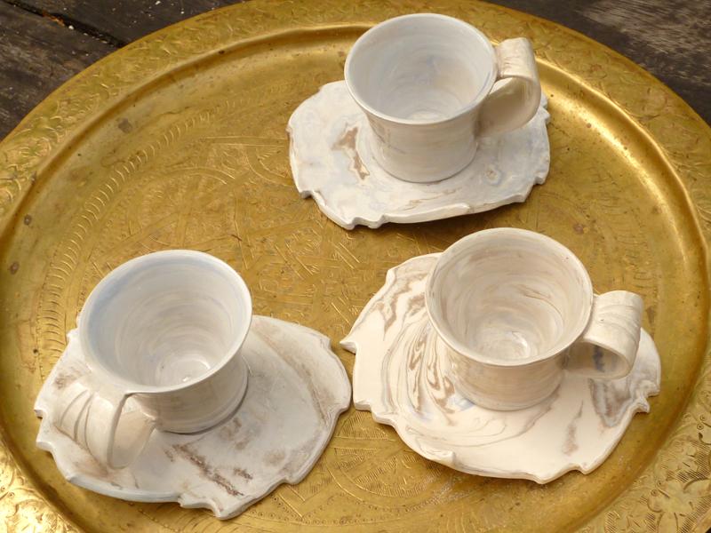 tasses et soucoupes